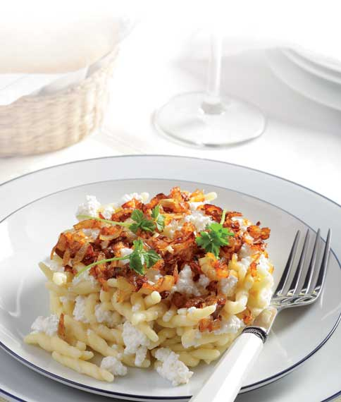 makarounes homade pasta